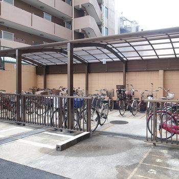 共有部】駐輪場も建物裏にございます!