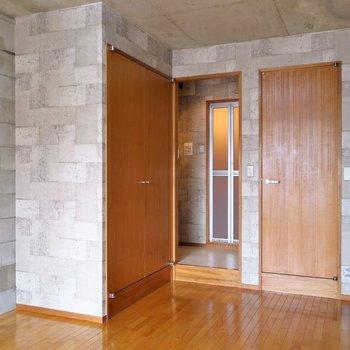 居室以外はコンパクトにぎゅぎゅっと!(※写真は3階の反転間取り別部屋のものです)