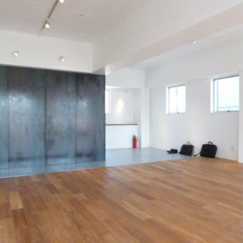 異素材が出会う広場 ※写真は反転間取りの501号室のものとなります。