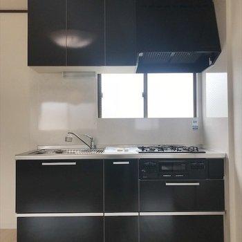 綺麗なシステムキッチンで楽しくお料理♪