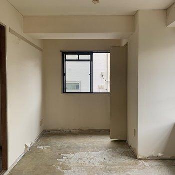 【工事前】4畳側のお部屋です。
