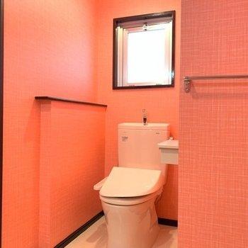 トイレにも小窓