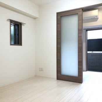 【LK】家具の配置には困らなそう。※写真は1階の同間取り別部屋のものです