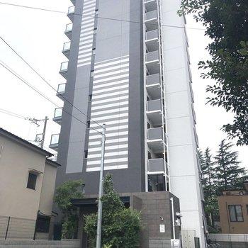 10階建てRC造のマンションです。