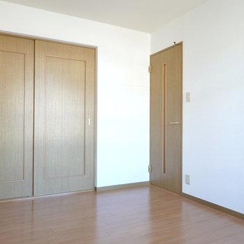 個室にするにも、収納のお部屋として使うにもちょうど良いですね。