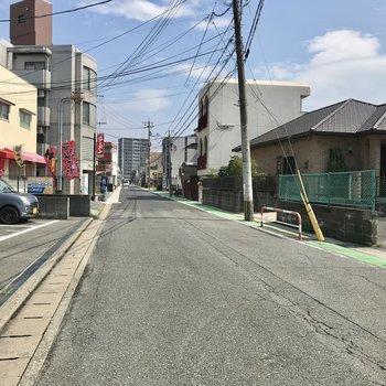 この道をまっすぐ進めば井尻駅です!