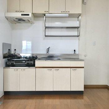 キッチン横には冷蔵庫を◯