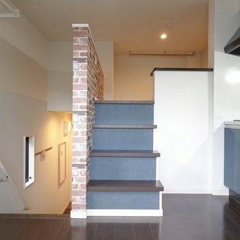 階段をたった4段登るだけで、ロフトへ!