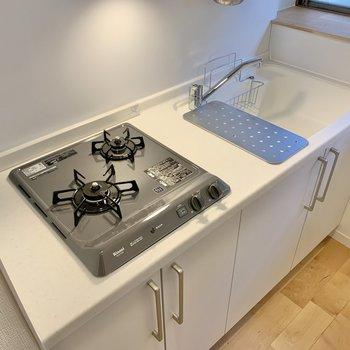 2口コンロ、調理スペースも確保できますね。