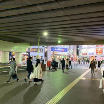 【千歳船橋駅】駅前は賑わっています。