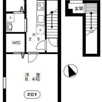 アパートの2階に位置する1Kのお部屋。