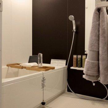 高級感のある広い浴室です。