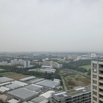 27階から眺め。晴れている日はとても気持ちが良さそうですね。