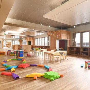 子どもたちの様子を4階で仕事しながら見守ることができる「チコル☆パーク・チコル☆ワーク」もありました。