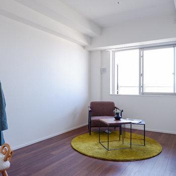 7帖の洋室は寝室にどうぞ。※写真は29階同間取り別部屋のものです