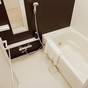 お風呂も大きい!お子様と一緒にゆったり入れますね。※写真は29階同間取り別部屋のものです