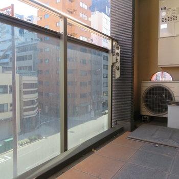 広めのバルコニー(※写真は4階の同間取り別部屋のものです)