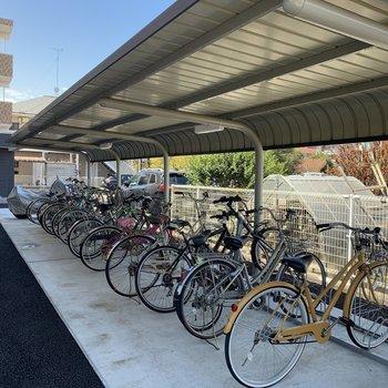 駐輪場。自転車欲しくなりますね!
