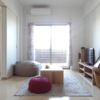 このまま住んじゃいたい。モデルルームの為、家具はイメージです。(※写真は11階の同間取り別部屋、モデルルームのものです)