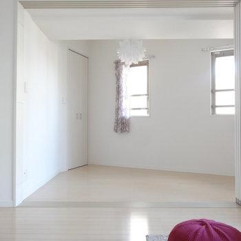 家具の配置がちょっと難しい形・・。(※写真は11階の同間取り別部屋、モデルルームのものです)