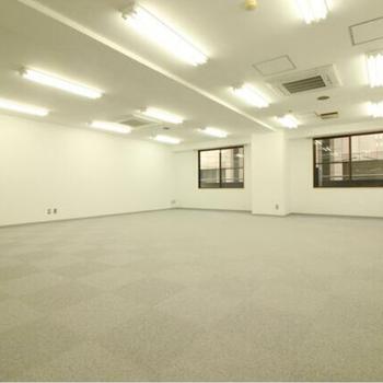 床とカーペットのお部屋