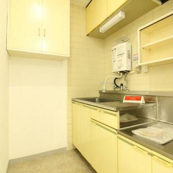 給湯室も設備が整っています