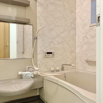浴室乾燥機もあるんです
