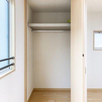 収納は高さと奥行きがあり、ゆったりサイズ。