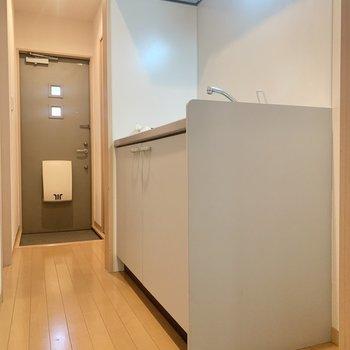 冷蔵庫はキッチン横に置けますよ