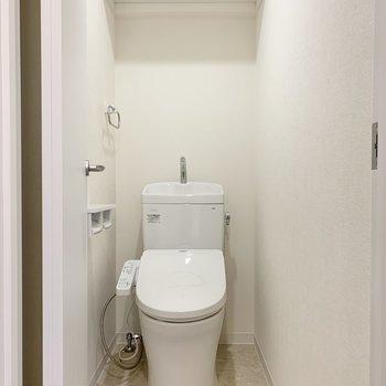 トイレは玄関すぐのところ