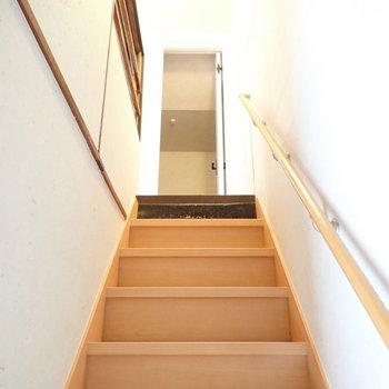 階段も綺麗です。