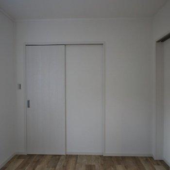 リビング横のお部屋。