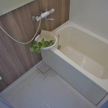 お風呂もぴかぴかです。※写真は同タイプ3階のもの