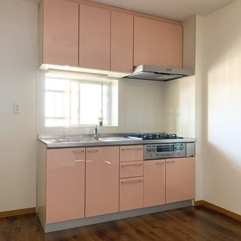 【キッチン】ピンク色が可愛いんですよ〜