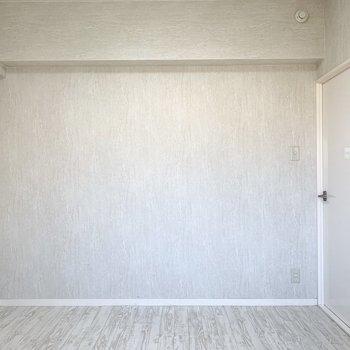 こちらは5帖のお部屋。※写真はクリーニング前