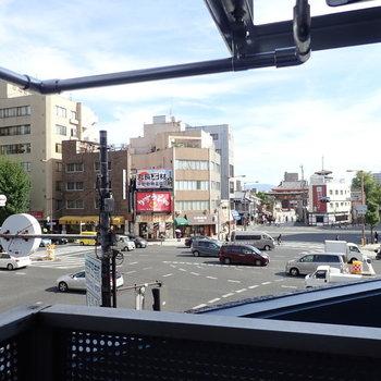 四天王寺がしっかり見えます。交差点もしっかり。