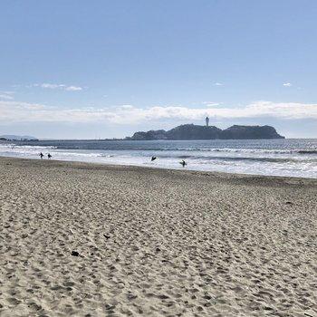 海に出ると、左に江ノ島