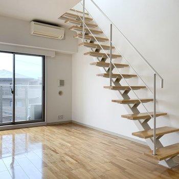 暮らしの中心に『 階段 』。