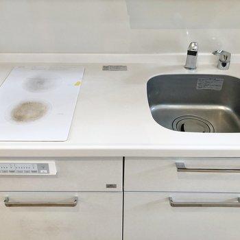 IHコンロでお掃除も簡単に。