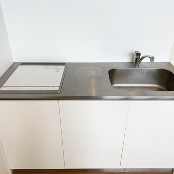 2口IHのシステムキッチンでお掃除も楽々。
