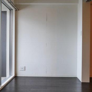 洋室は4帖ほどと、コンパクトサイズ。(※写真は8階同間取り別部屋のものです)