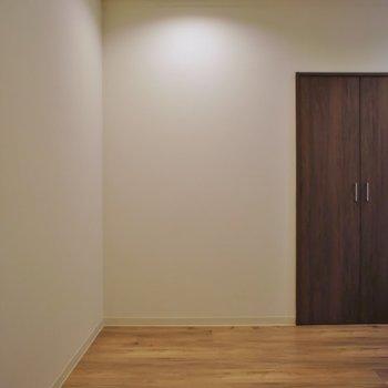 広々した玄関、シューズBOX置くスペースも十分