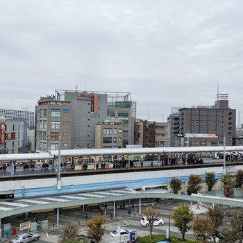 そこから見えるのはJR北朝霞駅。