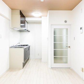 【DK】DK入り口側にはキッチンスペースが。
