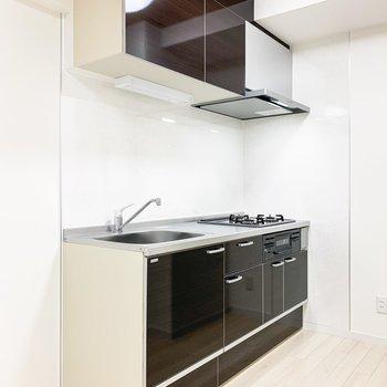 【DK】シックな雰囲気のキッチンです。