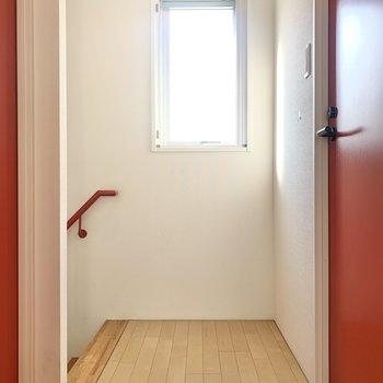 2階は3方向に扉があります