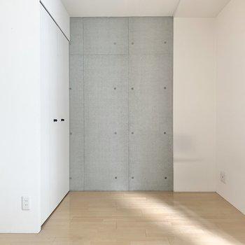 【洋室北側】洋室は2部屋あるので、居室と寝室に分けられます