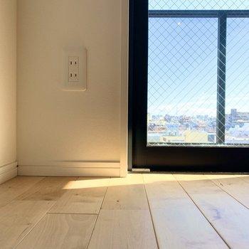 個人的にこのくらいの視点が床も外の景色もgoodです。