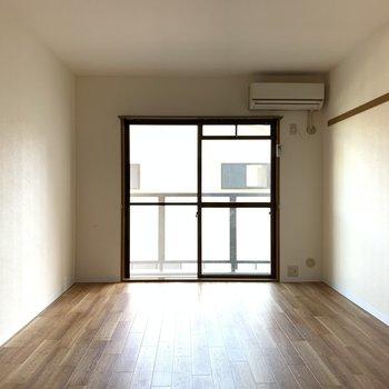 エアコンがついているので、ベッドの位置を考えて配置しましょう!