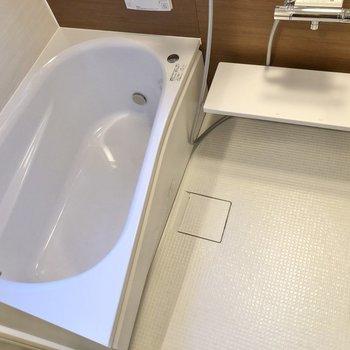 浴槽も広く、ついつい長風呂しちゃいそう